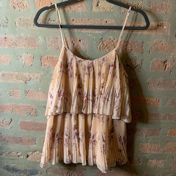 LC Lauren Conrad Tops - lc lauren conrad > pleated floral tank top